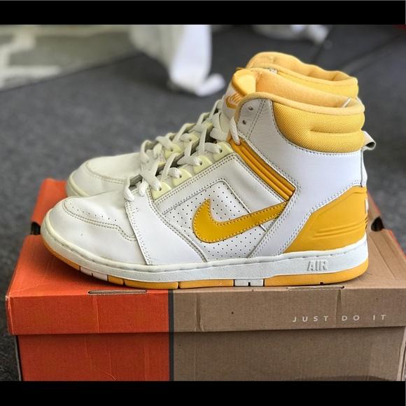low priced 74d9b 0300d Nike Air Force II High OG Sz 10.5. M 5a7164e96bf5a631d9a62ae7